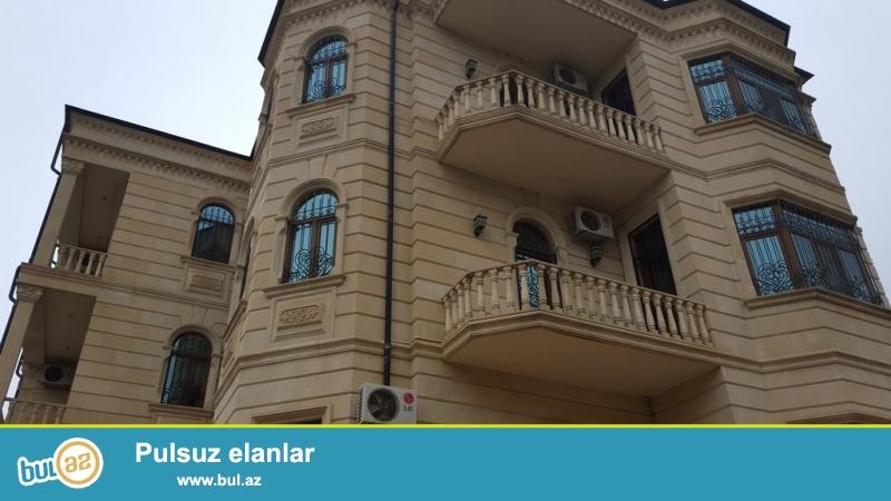 Очень срочно!  В районе Теймур Алиева , сдается  в аренду на долгий срок 4-х этажная 10-ти комнатная вилла  с мансардой  , площадью 1000 квадрат, расположенная на 5-ти сотках...