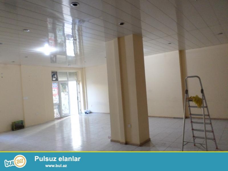 yeni yasamalda 17 mərtəbəli  tam yaşayışlı binanın 1-ci mərtəbəsində təmirli ümumi sahəsi 130 kvadratmetr olan obyekt satılır.