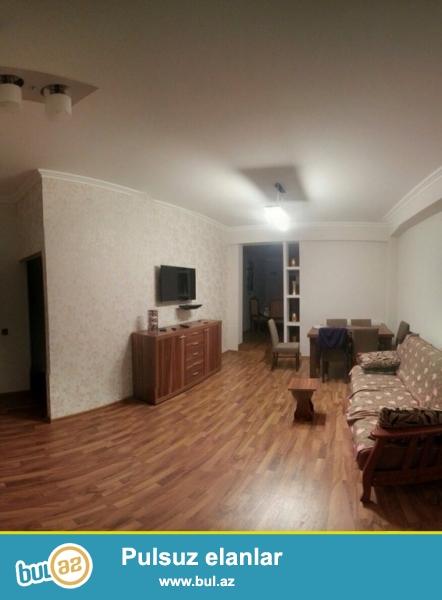 Срочно!  На против Автовакзала   продается  3-х комнатная квартира ,(2+1)  нового  строения  17/17 ...