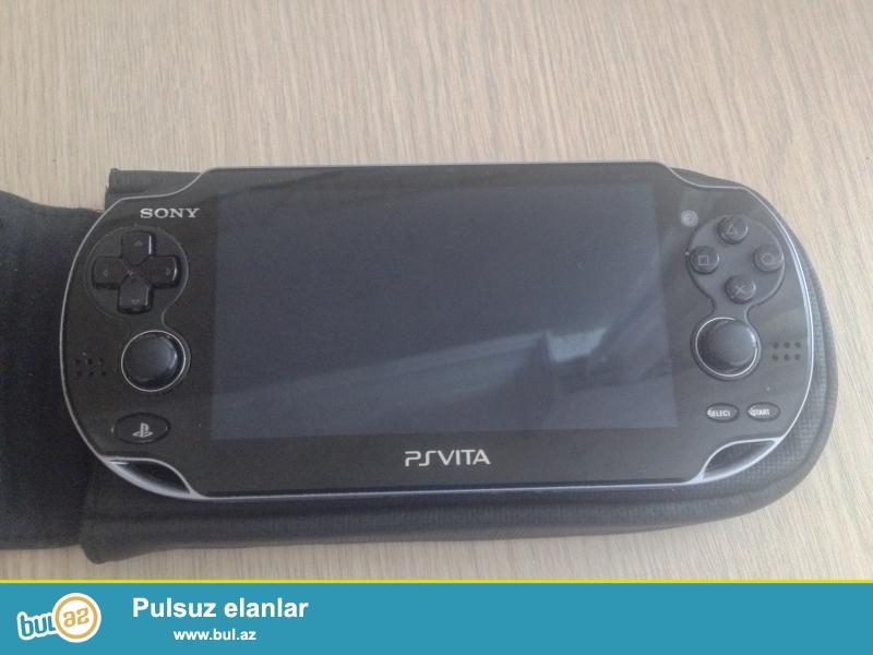 Ps vita+4gb,çexol ve 5 oyun.