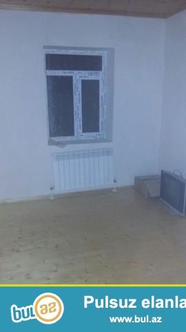 Buzovna qəsəbəsi Vişnyovka yolu 3 sot torpaq sahəsində qoşa daşla tikilmiş ümumi sahəsi 110 kv...