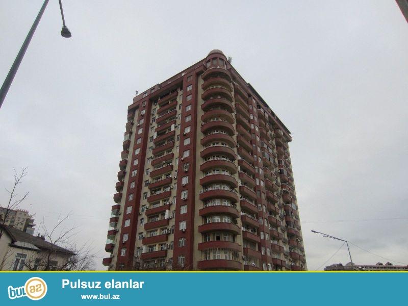 Продается 3-х комнатная квартира, по улице Тебриз, 14/18, заселенная новостройка, общая площадь 136 кв...