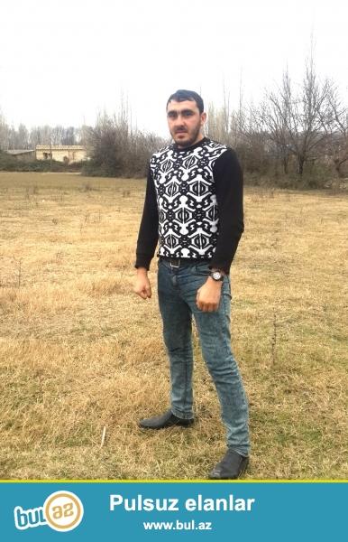 Mənsur Alıyev 26 yaşım var. Orta təhsilliyəm.
