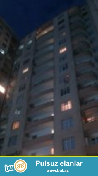 Продается 3-х комнатная квартира, по улице Зия Буниятова, около ресторана «Ипек йолу», 4/17 этажной новостройки, общая площадь 132 кв...