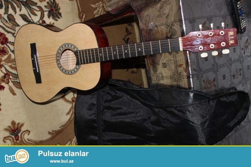 Ela veziyetdedir hec bir problemi yoxdur 25 gunun gitarsidir...
