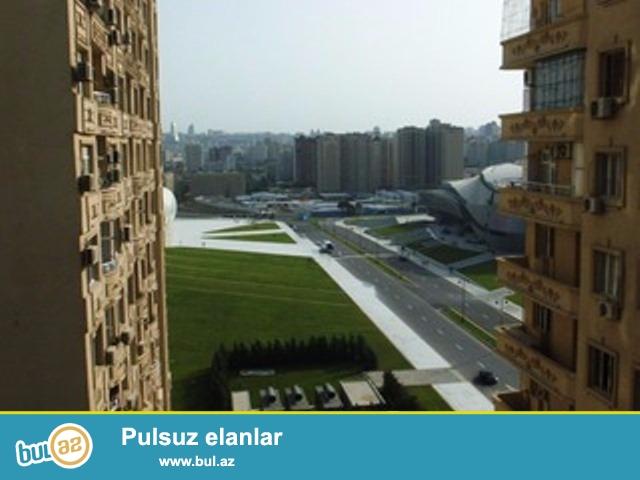 """Очень срочно! Продается  3-х комнатная  квартира нового строения  площадью 118 квадрат расположенная в элитном комплексе    """"Elit mtk """" напротив  комплекса  Гейдара Алиева рядом с проспектом ..."""
