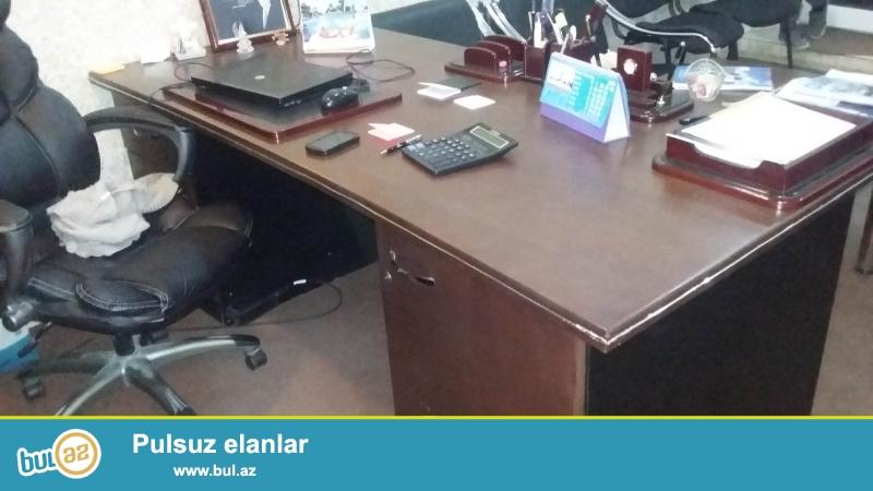 ofis mebelleri satilir ucuz qiymete qiymeti danisiqlar yolu ile ela veziyetdedir