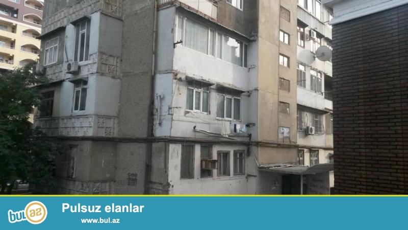 9 мкр, конечная остановка автобуса № 85, ленинградский проект, раздельные, светлые комнаты, отличный ремонт, полы ламинант , окна PVC, чистая, уютная квартира, вст...