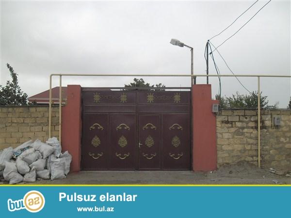 Novxanı bağlarında Sarıqaya massivində 15 sotun içində 2 mərtəbə villa satılır...