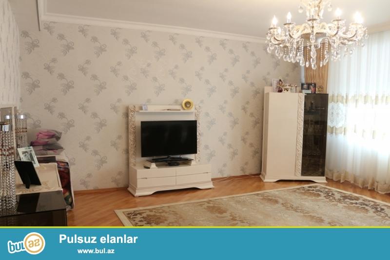 KUPÇALI YENİ TİKİLİ!!! Nəsimi rayonu, Qafqaz otelin arxasında, Azinkonun binalarında 16/18 ümumi sahəsi 153 kv...