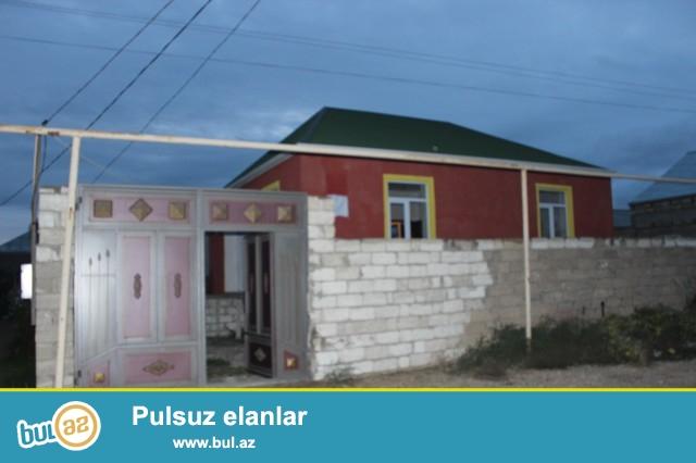 Sabunçu rayonu Savxoz Ramana qəsəbəsində əsas yoldan 50 metr məsafədə 2...