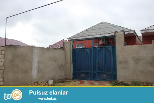 Sabuncu rayonu Ramana savxozu,Dispeçir deyilən ərazidən  60 metr məsafədə 2,4 sot torpaq sahəsində 8 daş kürsüdə ,ümumi sahəsi 100 kv...