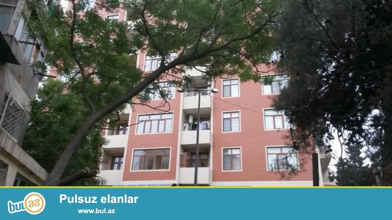 4 мкр, около д/т Гызыл тадж, в жилом новостройке с Газом продается 3-х ком квартира, 8/8, НЕ МАНСАРДА, сверху есть тех...