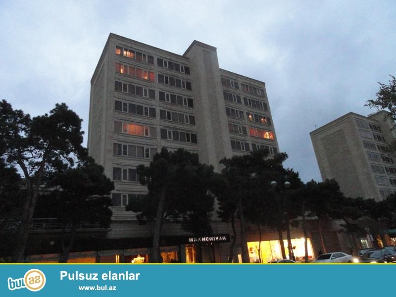 Продается 2-х комнатная квартира, по проспекту Парламента, около школы № 20, экспериментальный проект, каменный дом, 5/9, общая площадь 55 кв...