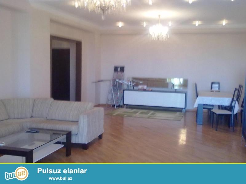 Новостройка! Cдается 3-х комнатная квартира в центре города, в Сабаильском районе, рядом с «Иср Плаз»-ой...