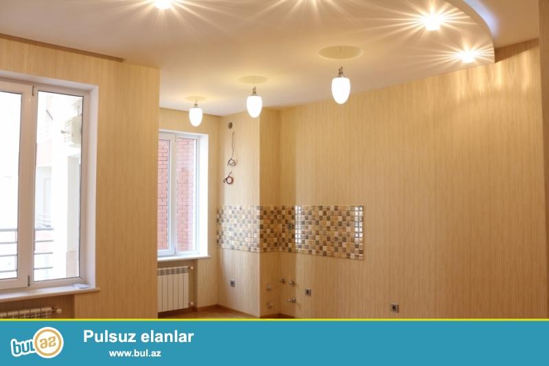 KUPÇALI YENİ TİKİLİ!!! Binəqədi rayonu, 9 mkr, Favorit marketin üstündə 4/17 ümumi sahəsi 49 kv...