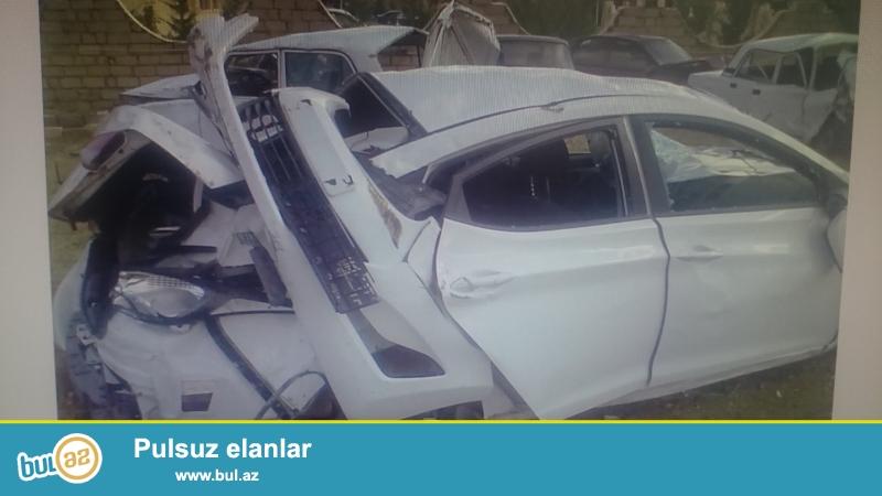 Hyundai Elantra 2014 cu il ezmisem zapcast edib satiram 9600 km yol gedib ...