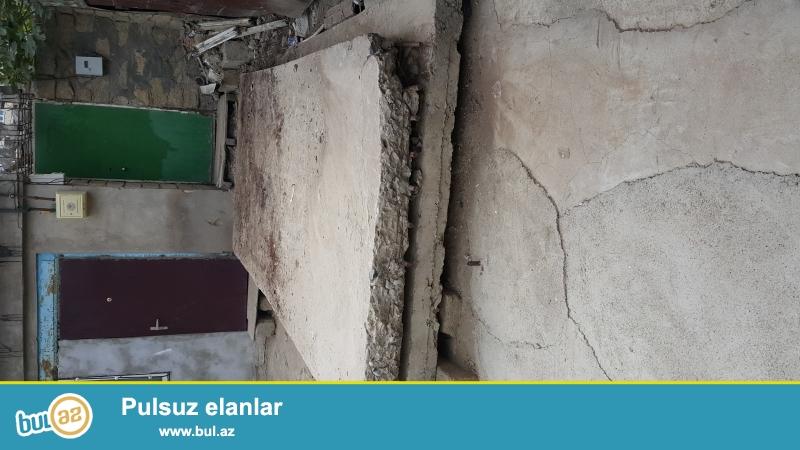 Xırdalanda uzunluğu 5 metr, eni 2 metr və qalınlığı 20 sm olan 2 ədəd beton plitə satılır...