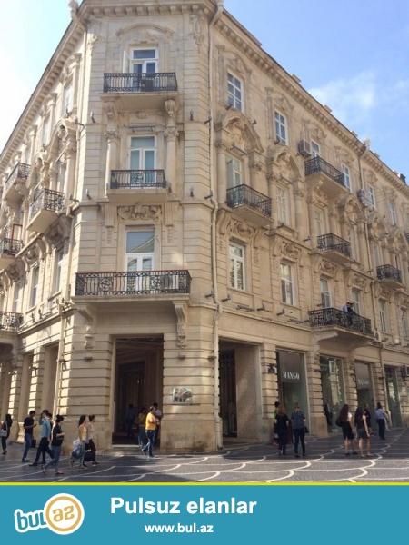 Сдается  6-х комнатная квартира в историческом центре Баку на улице Низами (бывш...