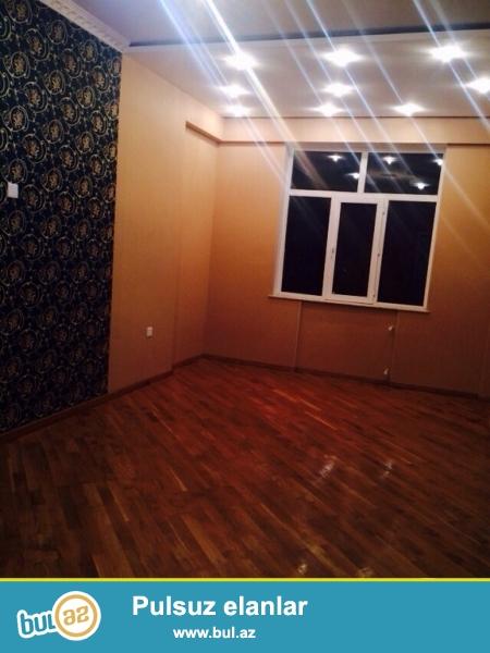 Очень срочно! В   7 мкррядом  капитал банк продается  3-х комнатная квартира нового строения 17/17, площадью  90  квадрат...