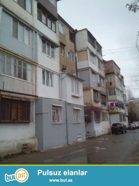 Продается 1-а комнатная квартира, по проспекту Строителей, около Статистики, проект хрущевка, каменный дом, 5/5, общая площадь 32 кв...
