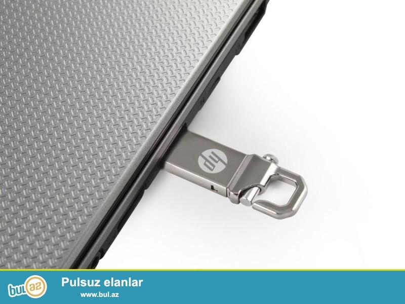 Fleş kart satılır, orijinaldır, HP-den. Parlaq metalik rengli, tezedir, 2 TB (2 000 GB) yaddaşı var...