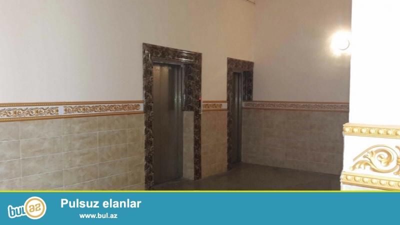 Очень срочно! За рядом с м/с Хези Асланова  продается  3-х комнатная квартира нового строение 13/16, площадью  93  квадрат ...