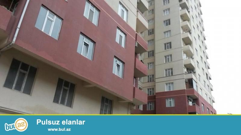 4 мкр, около д/т Гызыл тадж, в жилом новостройке с Газом продается 3-х ком квартира, 18/15, общая площадь 119 кв...