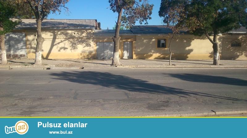 (Naxcivan seher Azerbaycan kucesi ev45 )<br /> Ev kohne tikilis olub heyetinde tualet,hamam,krantsuyu,quyu suyu ve...