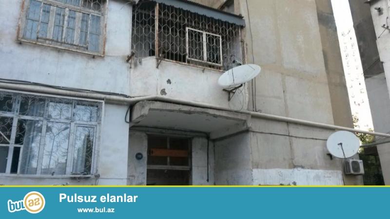 9 мкр, рядом с д/т Лейла, киевский проект, раздельные, светлые комнаты, хороший ремонт, окна PVC, во всех комнатах установили сплит- кондиционер, чистая, уютная квартира продается со всей обстановкой, вст...