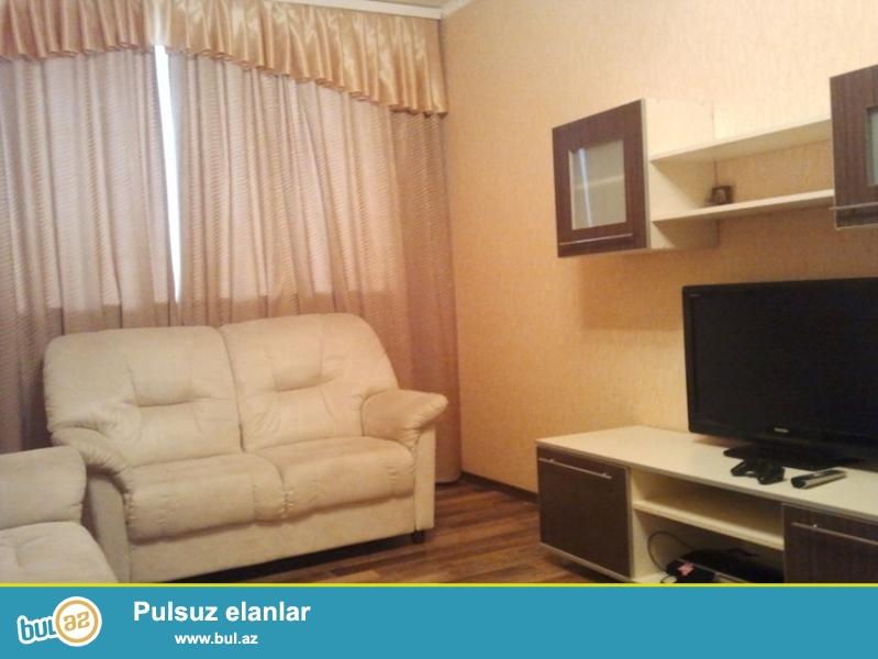 Посуточная квартира в Баку.<br /> В центре города, не далеко от приморского бульвара 2х комнатная квартира сдаётся по суточно...