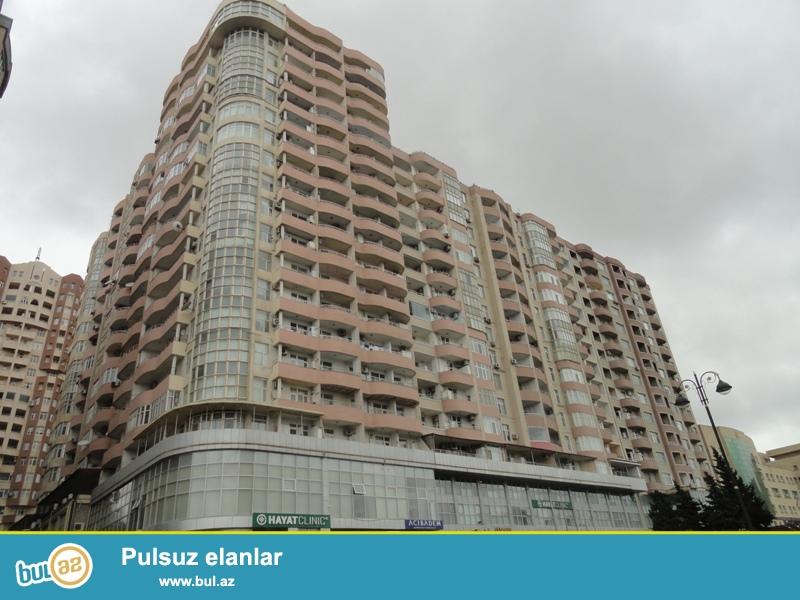 Продается 2-х комнатная квартира переделанная в 3-х комнатную, около парка Мусабекова, по проспекту Матбуат, заселенная новостройка, 10/16, общая площадь 75 кв...