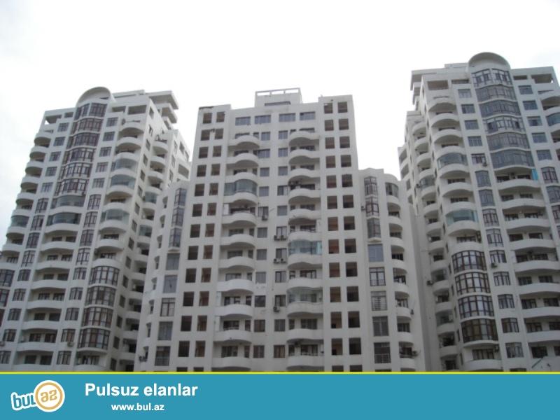 Продается 3-х комнатная квартира, по проспекту Тбилиси, заселенная новостройка, 6/18, общая площадь 135 кв...