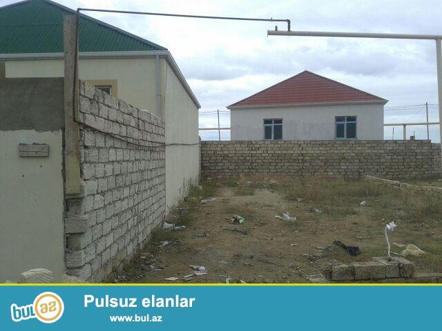 Sabunçu rayonu, Zabrat 2 qəsəbəsi, əsas yoldan 250 metr məsafədə 2 sot torpaq sahəsi satılır...