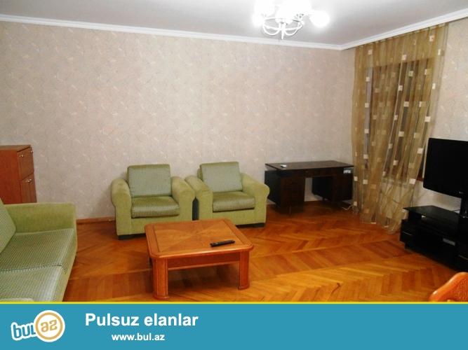 Cдается 2-х комнатная квартира в центре города, в Насиминском районе, рядом с «MediClub»...