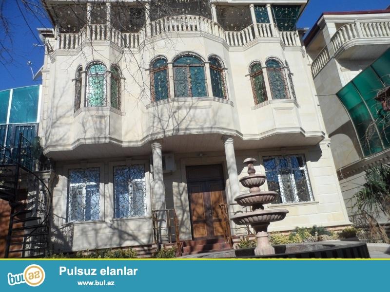 Срочно! В Воровском в 100 метрах  от м \ с   Насими ,продается частный дом - вилла , расположенная на  4-х сотках, 3-этажа, каждая по 180 квадрат, общая площадь 540 квадрат, 7 комнат и мансарда...