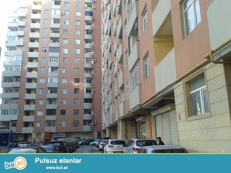 Продается 2-х комнатная квартира, по улице Папанина, около АМУ, 10/16 этажной новостройки, общая площадь 80 кв...