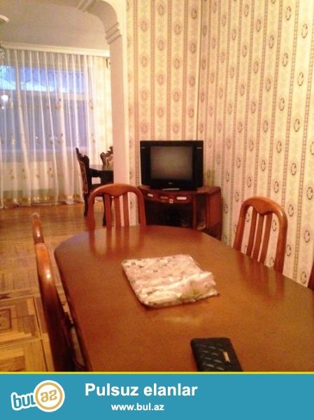 Cдается 4-х комнатная квартира в центре города, в Хатаинском  районе, рядом с метро Хатаи...