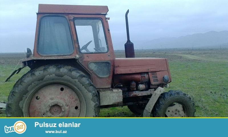 Traktor- Kasımsot yer şumlayan. Qoşa difir. Saz vəziyyətdə. radnoy öz motorudur.