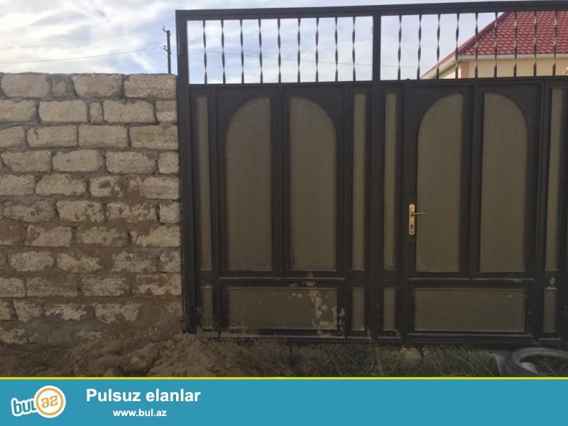 Sabunçu rayonu, Zabrat 2 qəsəbəsi, İstixana kombinatına gedən yolun üstündə 2 sot torpaq sahəsi satılır...