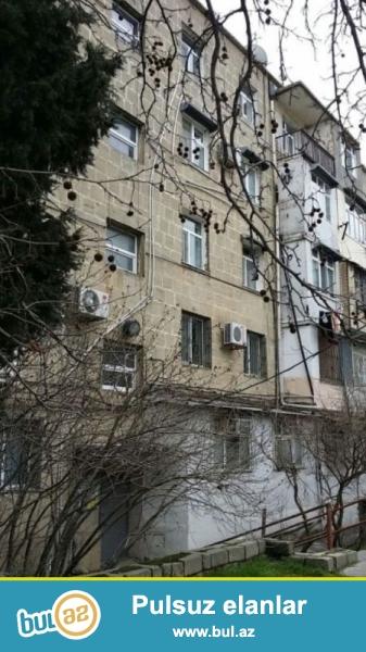 Продается 2-х комнатная квартира, по улице Нахчивани, 7 МКР, 1/5 (бывшее общежитие), общая площадь 36 кв...