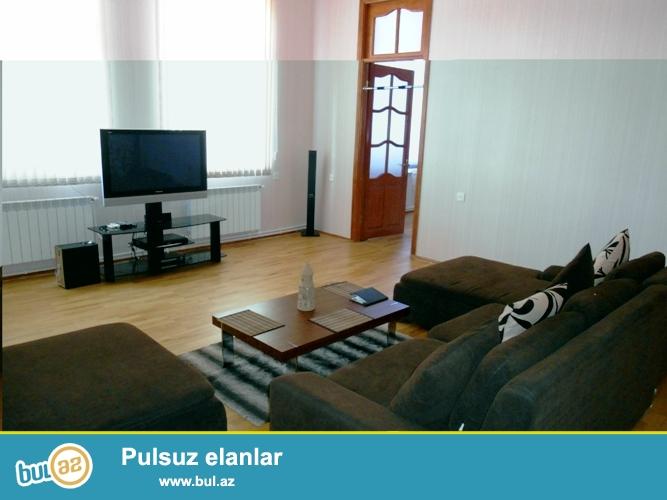 Cдается 3-х комнатная квартира в центре города, в Cабаильском районе,  рядом с метро Сахиль и Малоканским садиком...