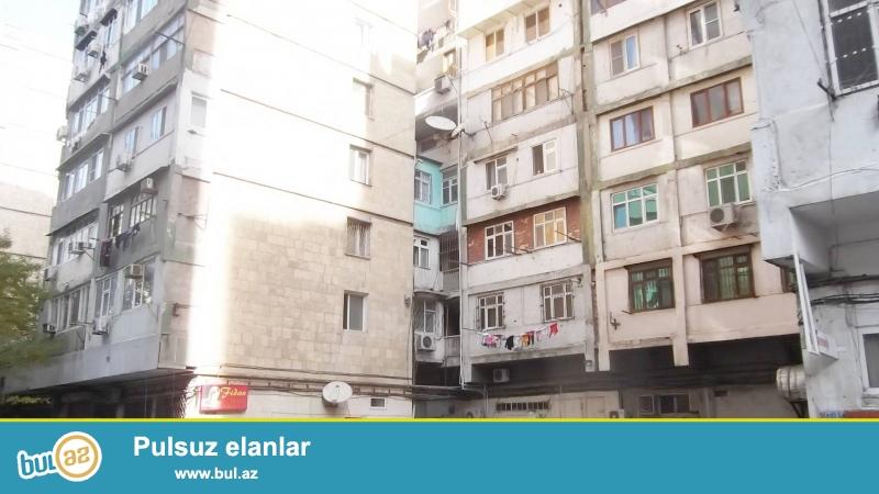 Təcili.<br /> <br /> Atatürk prospekti, «Gənclik» metro stansiyasının yanında 9 mərtəbəli daş «eksperimental» layihəli binanın 2-ci mərtəbəsində, 2 otaqlı, əla təmirli mənzil, ayrı və geniş otaqlar, ümumi sahəsi 65 kv...