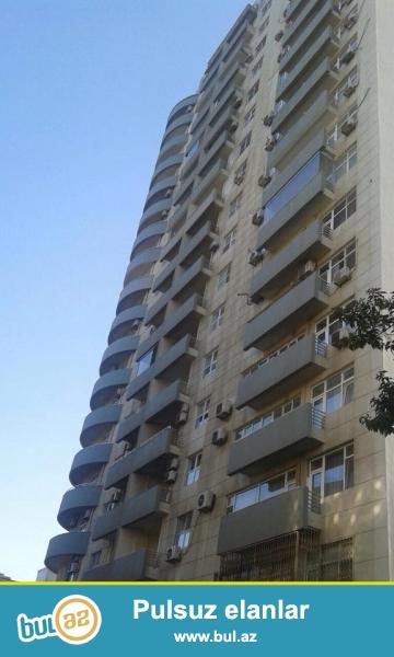 9 мкр, около д/т Сона, в элитно- заселенном комплексе с Газом продается 2-х комнатная квартира, 17/8, общая площадь 96 кв...