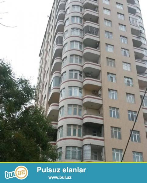 По улице Инглаб, за Асан хидмат, в элитном комплексе сдается  3-х комнатная квартира, 20/18, общая площадь 90 кв...