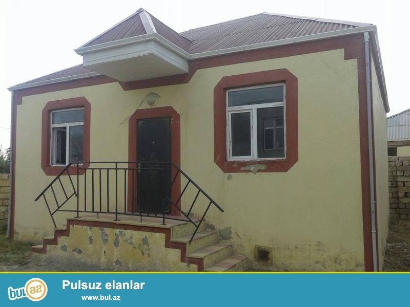 Sabuncu rayon Zabrat 2 qəsəbəsində 148№ li marşurutn dayanacağindan 80 m məsafədə 4 sot torpaq sahəsində eyni prayektde 2 ev satilir...