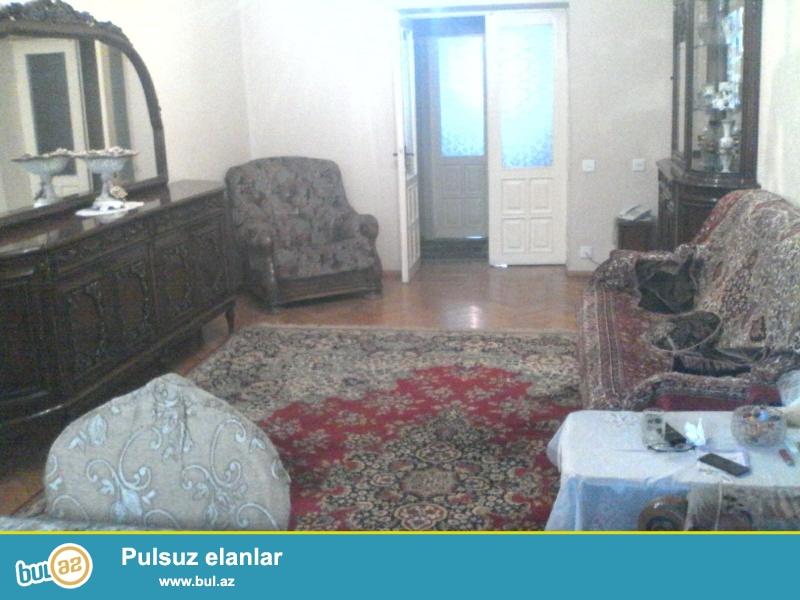 Cдается 3-х комнатная квартира в центре города, в Ясамальском районе, по проспекту Г...