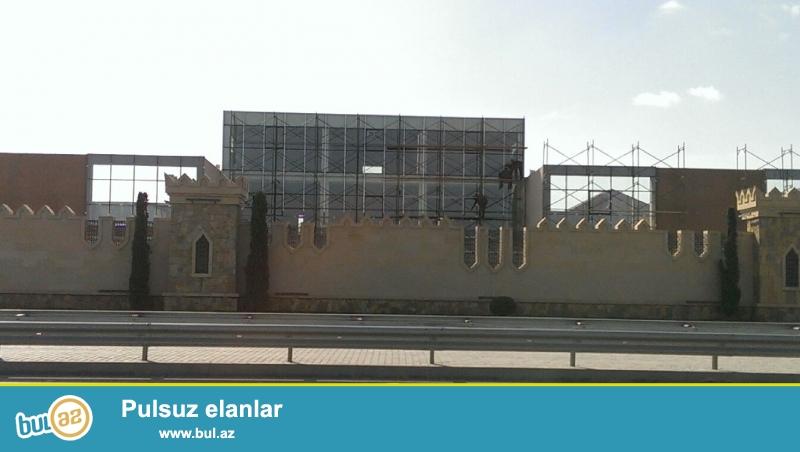 В поселке Мардакан, прямо у президентской дороги сдается помещение площадью 5000 кв...