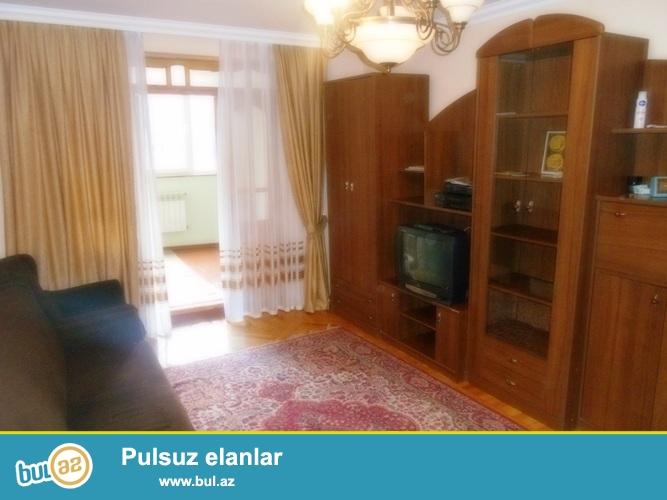 Cдается 4-х комнатная квартира в центре города, в Насиминском районе, на пересечении проспекта Азадлыг и улицы Г...