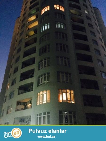 В центре, около Цирка, в элитном комплексе сдается 3-х комнатная квартира, 18/17, общая площадь 210 кв...
